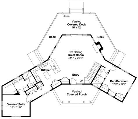 ranch style house plan    bed  bath  car garage house plans   plan