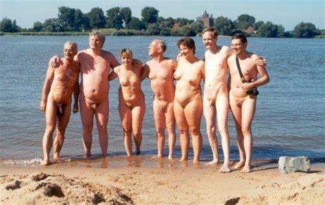 mature group image 43475