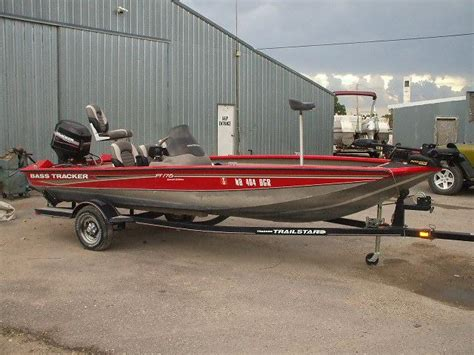Tracker Boats Clothing by 2004 17 5 Bass Tracker Pt175 W 50hp Mercury Trailer