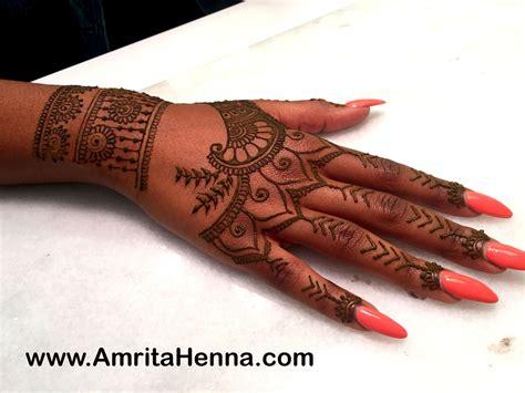 Best Henna Design Inspired By Rihanna Tribal Hand Tattoo