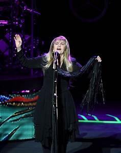 Stevie Nicks Photos Photos - Stevie Nicks Performs at the ...