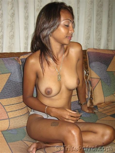 dark and hot filipina with nice boobs gets ready for sex pichunter