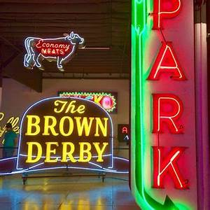 MONA Museum of Neon Art 367 s & 85 Reviews Art