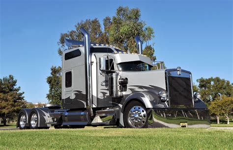 big kenworth trucks custom kenworth w900l the truck s exterior features many