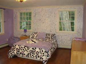Paint Splatter Bedroom Walls