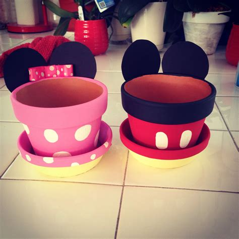 famous mickey mouse crafts  birthdays  kids