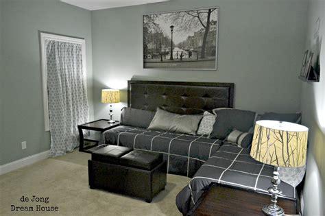 flex room guest suite play room room