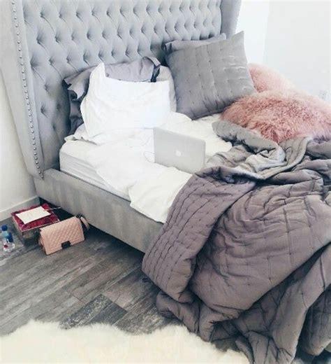 chambre avec tete de lit capitonnee 1001 conseils et id 233 es pour une chambre en et gris sublime