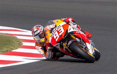 marc marquez shop honda racing corporation renews contract with marc m 225 rquez