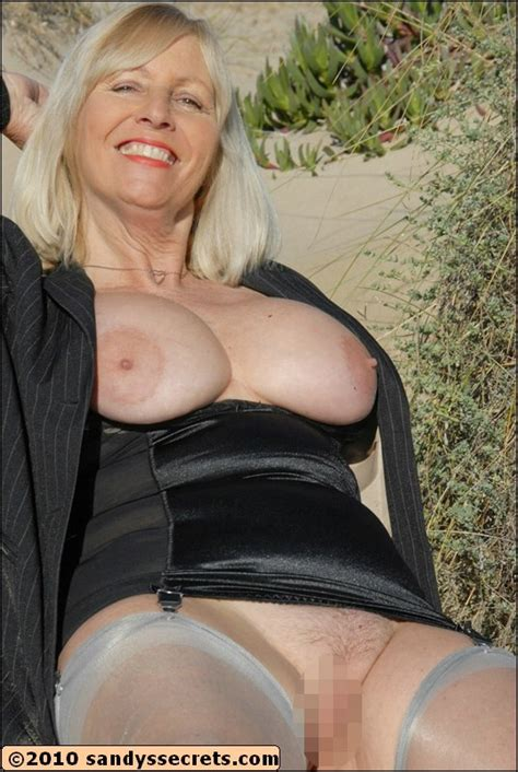 Granny Porn In Nylons Pic Of Gorgeous Mature Chick