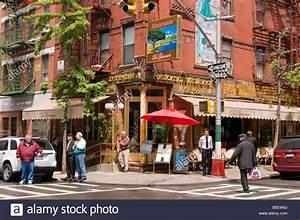 Italian restaurants on Mulberry street Little Italy New York USA Stock Photo: 20610762 Alamy