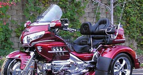 //www.facebook.com/pages/goldwing