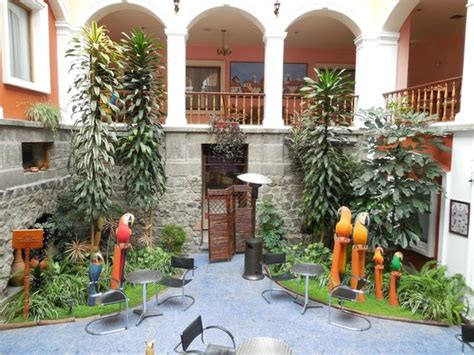 en el bar hotel picture of hotel patio andaluz quito tripadvisor