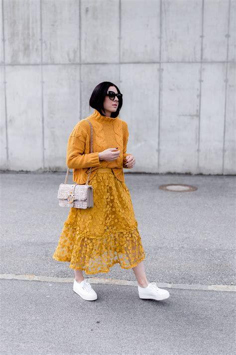 Welche Farben Kann Kombinieren by So Kombiniert Die Mode Farbe Gelb Im Alltag In 2019