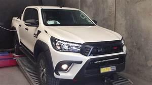 Toyota Hilux 2017 : 2017 toyota hilux with unichip youtube ~ Medecine-chirurgie-esthetiques.com Avis de Voitures