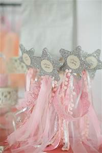 Star Shower Motion Pas Cher : elegant royal first birthday party birthday party ideas ~ Dailycaller-alerts.com Idées de Décoration