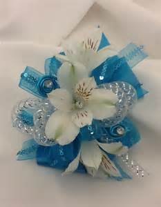 prom wristlets corsage talk about flowers