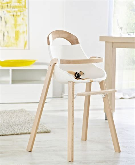 chaise haute bébé en bois 17 meilleures idées à propos de chaise haute bébé bois sur