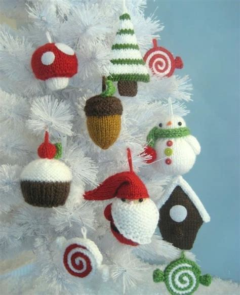 christmas ornament knit pattern set by amy gaines craftsy