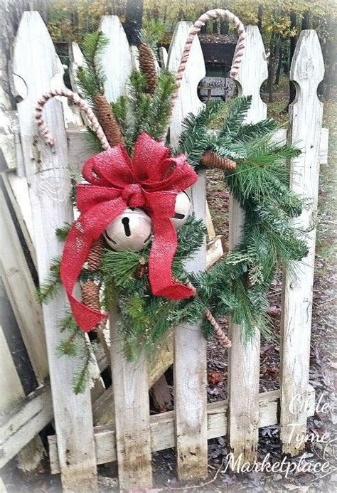 ideas for decorating iron fence posts for christmas 25 best ideas about picket fence decor on picket fence crafts decorative garden