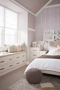 Ideen Für Kleine Schlafzimmer : 43 ideen f r behagliche sitzecke auf der fensterbank ~ Lizthompson.info Haus und Dekorationen