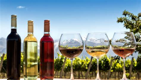 nz wine exports  track   good year newshub