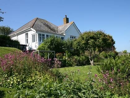 Pet And Dog Friendly Cornwall Bungalows  Pets Welcome