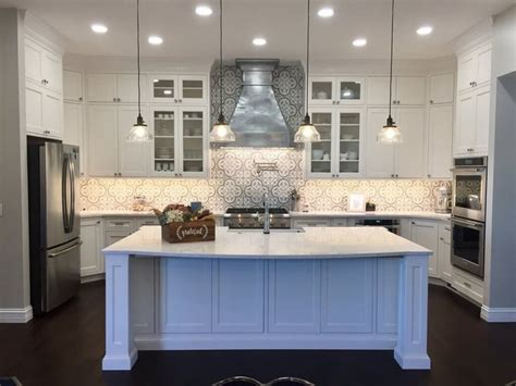 painting the kitchen cabinets best 25 light granite countertops ideas on 4065