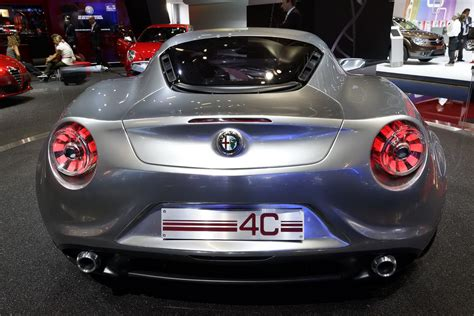 Alfa Romeo Usa Dealers by U S Fiat Dealers Disappointed By New Decision To Delay