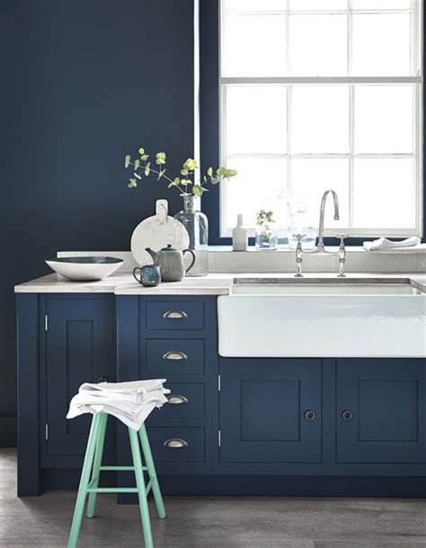 cuisine bleu marine le bleu marine débarque dans la maison décoration