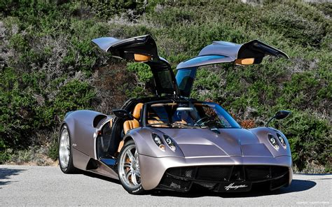 Pagani Huayra Front View With Doors Open Photo 13