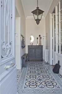Carreler Sur Ancien Carrelage : decoration couloir avec faience ~ Premium-room.com Idées de Décoration