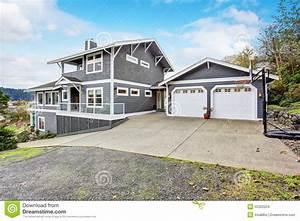 Tür Garage Haus : gro es graues modernes haus und garage stockfoto bild 55352224 ~ Sanjose-hotels-ca.com Haus und Dekorationen