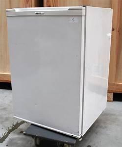 Refrigerateur 80 Cm De Large : refrigerateur de marque beko avec compartiment a glacons ~ Dailycaller-alerts.com Idées de Décoration