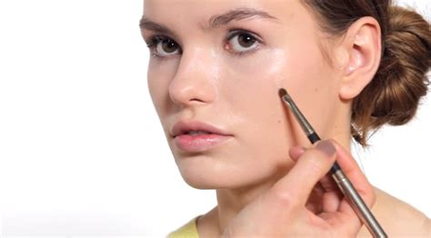 Caroline Barnes Step-by-step Guide To Day To Night Makeup