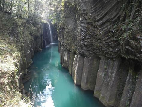 takachiho gorge japan amazing places