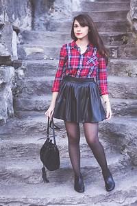 look 24 jupe patineuse en similicuir et la chemise a With jupe a carreaux noir et blanc