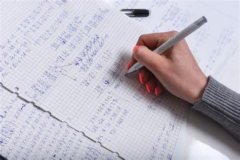 Direktori lūdz vairs nepubliskot skolu rezultātus eksāmenos - Izglītība & Karjera - nra.lv