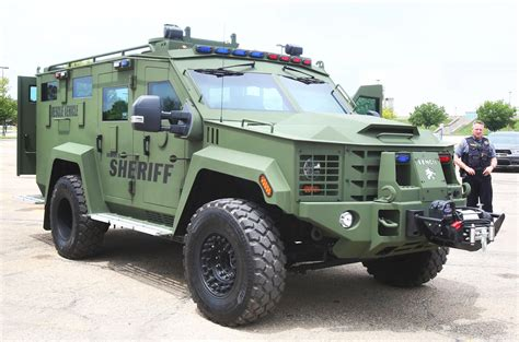 Sheriff's office shows off new armored rescue and response ...