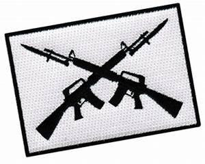 CROSSED M16 ASSAULT RIFLES FLAG PATCH