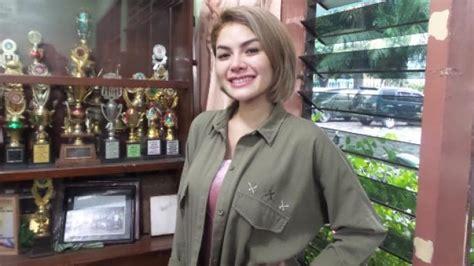 Nikita Mirzani Lepas Bra Kolam Renang Netizen Panik
