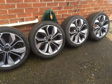 renault genuine   alloy wheels  tyres