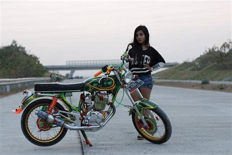 Motor Cantik by Foto Foto Cewek Cantik Dengan Motor Cb Modifikasinya