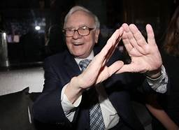 Warren Buffett takes $4B stake in JPMorgan Chase…