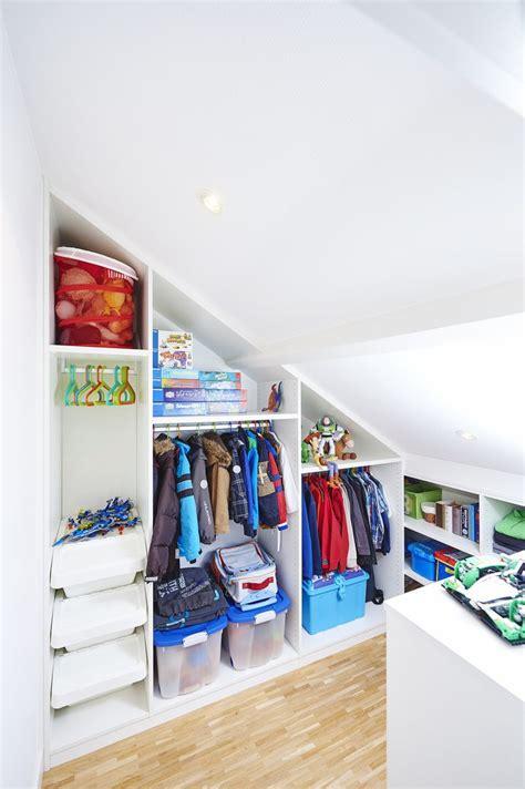 chambre bébé sous pente vos enfants aussi ont droit à un beau dressing même sous