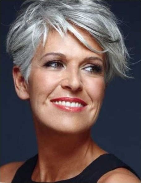 Short Haircuts For Older Women 2018 25 Hairstyles