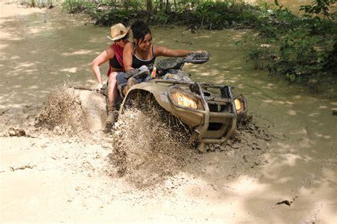 mudding four wheelers girls mud riding four wheelers girls wallpaper