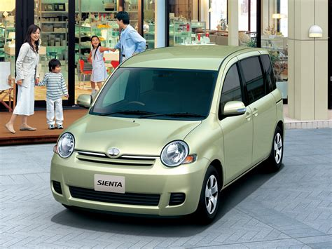 Toyota Sienta Picture by Toyota Sienta 2010 Review Amazing Pictures And Images