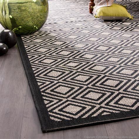 tapis noir  beige idees de decoration interieure