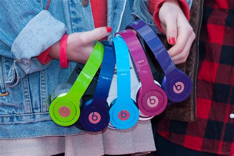 apple buying dr dre s beats for 3b to compete in